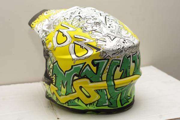 Helmet-graffiti design