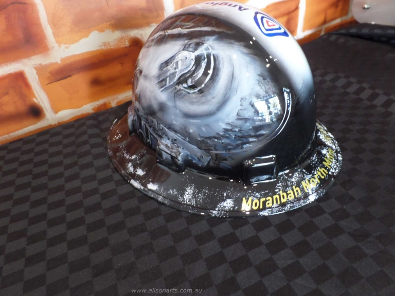 Airbrushed hard hat for anglo american