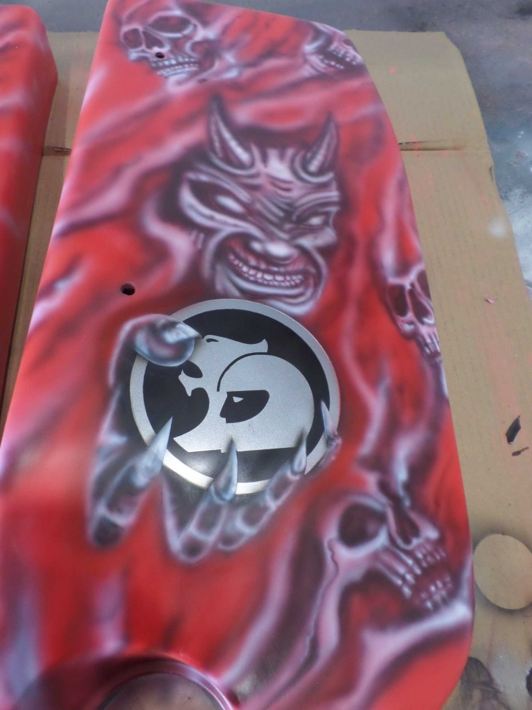 custom airbrushed holden engine covers