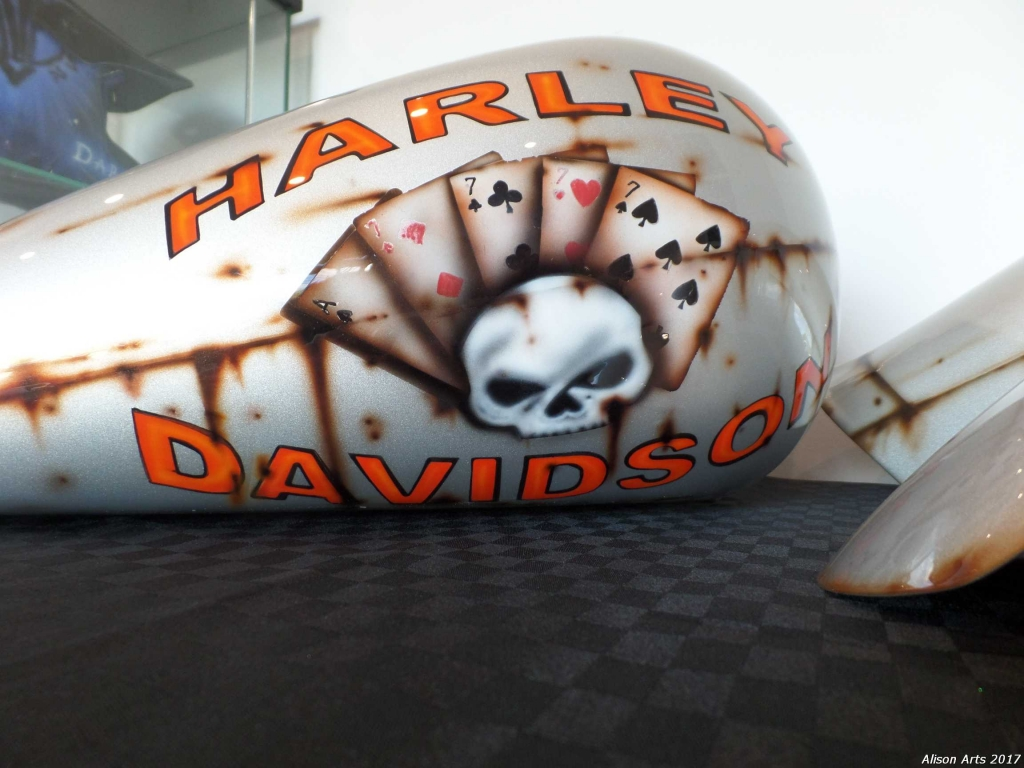 Custom airbrushed harley davidson - old rusty